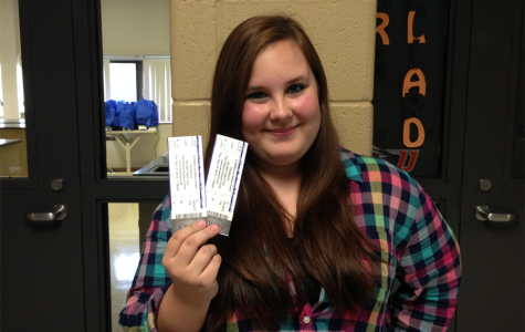 Junior Emily Cortes wins Paramore tickets