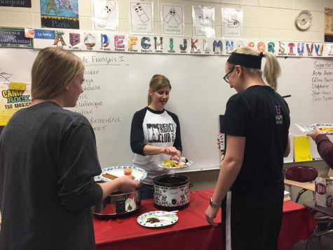Language classes celebrate food day