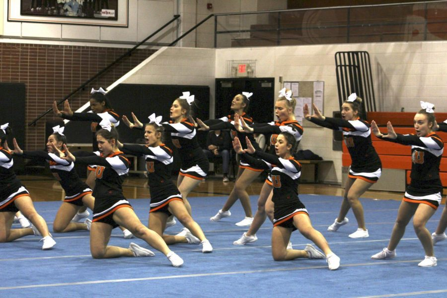 Cheer+finishes+season+strong+on+and+off+the+mats