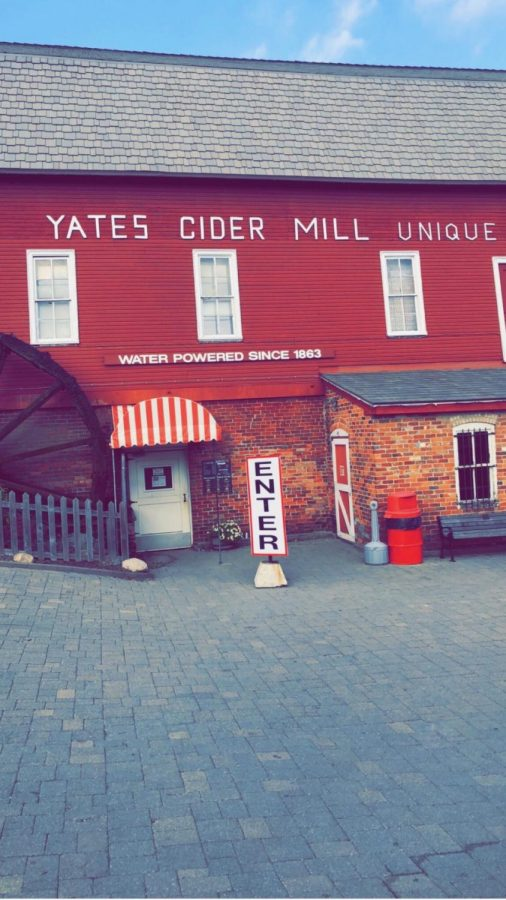 Cider+mills+attract+everyone+who+loves+the+fall+season