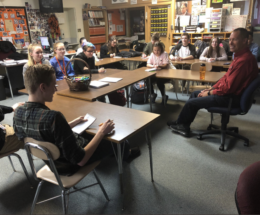 Arrow staff interviews Shelby Township Police Officer Jim Malczewski about the dangers of smoking marijuana and law enforcement challenges in a student-led press conference. STACY SMALE PHOTO