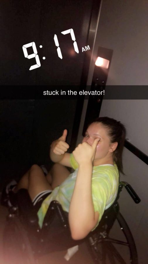 Blackout+breakdown%3A+elevator+stops+working+with+two+girls+inside