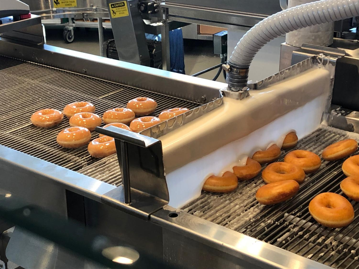 Pictured+is+the+doughnut-making+process.+This+can+be+viewed+from+inside+the+restaurant+during+certain+hours+of+the+day.