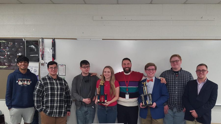 Quiz+bowl+team+wins+second+place+at+MAC+tournament